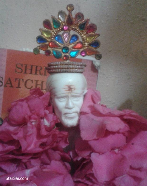 Shirdi Saibaba garland