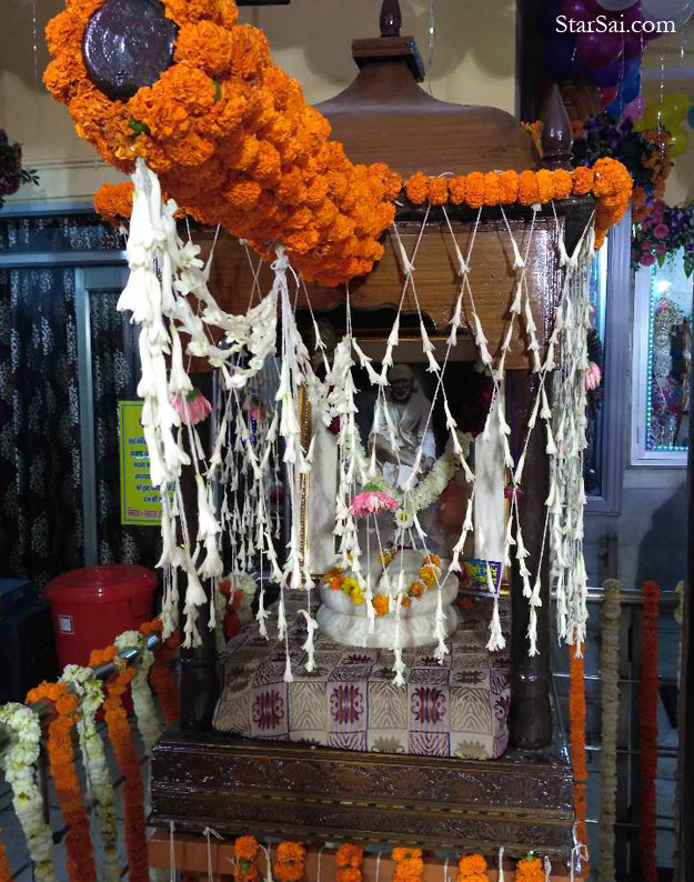 Saibaba temple in New Delhi, Lakshmi Nagar
