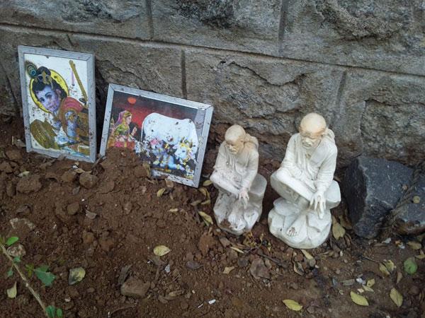 Shirdi Saibaba statue