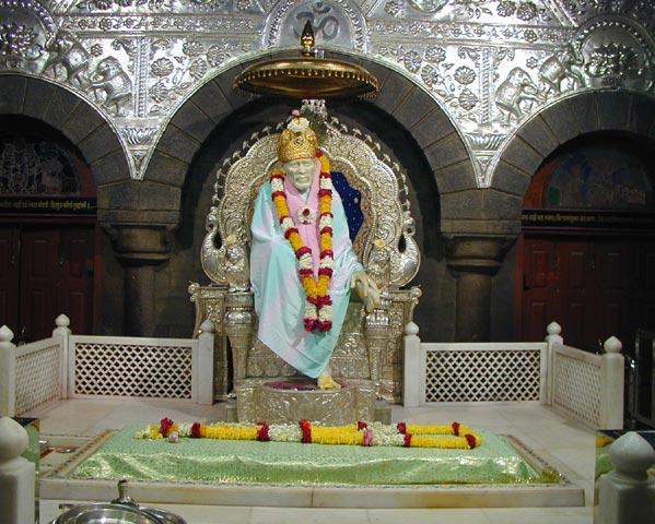 shirdi saibaba samadhi mandhir darshan in shirdi