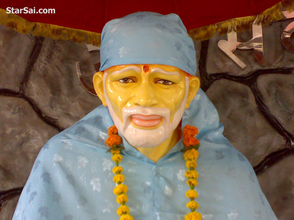 shirdi sai baba wallpaper. Shirdi Saibaba eyes are fixed