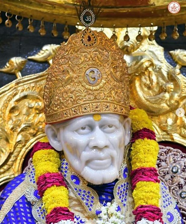 Sai baba gave Vibhuthi Prasad in dream and blessed a devotee